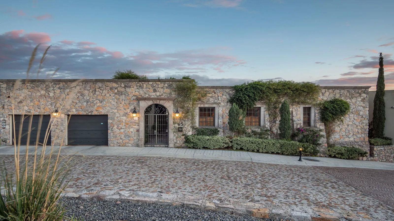 Crystal Calderoni Casa Por Fin - San Miguel de Allende (1)